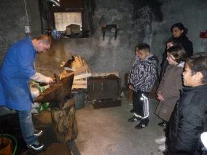 animation la fabrication artisanale du couteau par le musée de la coutellerie à Thiers