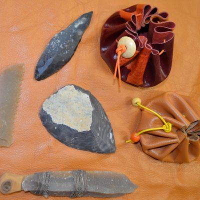 Atelier créatif jeune public autour du Paléolithique au musée de la coutellerie